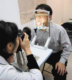 透過自動化舌診儀的影像紀錄鑑別及輔助,讓傳統中醫的舌診更可標準化,提高診斷的準確...