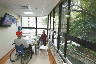 陽光室,讓住院的老人家也能曬曬太陽。(記者蘇健忠/攝)影