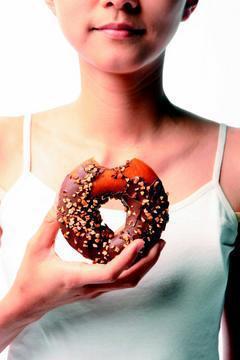 高血脂的形成與現代人飲食與生活習慣息息相關,若能改變飲食與生活習慣,就能有效降低...
