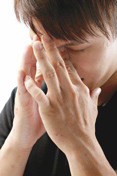 小凱(化名)容易緊張,對壓力經常過度反應,長期胃痛、偏頭痛及失眠,心情也常受影響...