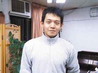 海山警分局埔墘派出所員警蔡季龍,24歲的他6年來已經捐血74次。 記者鄭筑羚/攝...