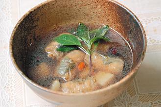 紅棗當歸豆皮養生湯 圖/杜昀軒營養師提供