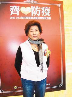 蔡陳阿麗有「蚊子娘娘」美稱,5年多來常挨家挨戶宣導病媒蚊防治。 記者張嘉芳/攝影