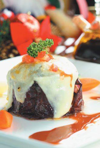 羊肉料理/孜然風味羊肉乳酪茄子塔。