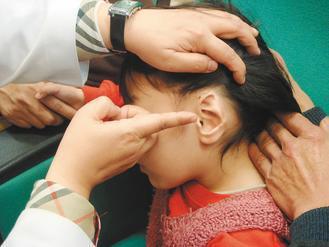 林小妹一年多前被狗咬掉耳朵,因沒有將耳朵立刻降溫並帶到醫院,導致無法立即重建。 ...