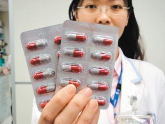 第一線抗生素「安比西林」(Ampicillin),是國內常用的抗生素之一。 記者...