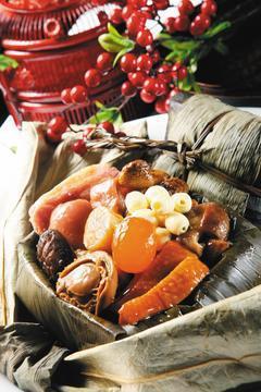 端午節將至,粽味飄香。不過,醫師提醒,糯米製成的粽子,若與同份量白米飯相較,食用...