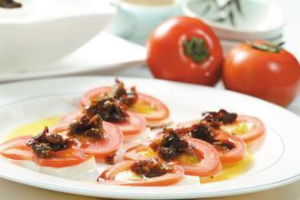 莫札瑞拉起司Mozzarella佐風乾番茄。記者高智洋/攝影