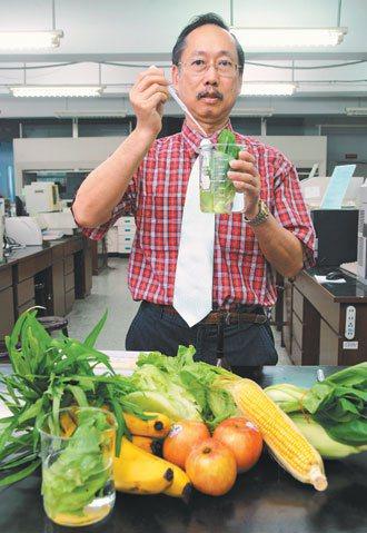 台師大化學系教授吳家誠長年力行無毒生活。