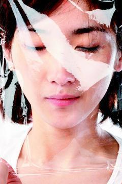 醫學美容盛行,許多民眾把雷射或果酸換膚當作日常保養,但小心防曬措施沒做好,反成小...