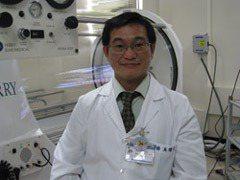臺北市聯合醫院和平院區整型外科主任吳煒文醫師。圖/吳煒文醫師提供
