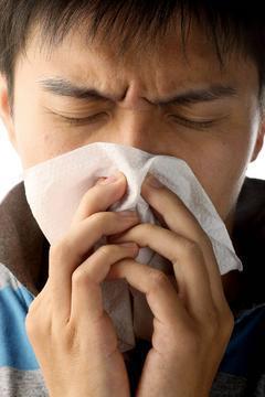 最近門診來了幾位患者,主訴「得知鳳飛飛得了肺癌,擔心自己也得了肺癌」。安排臨床檢...