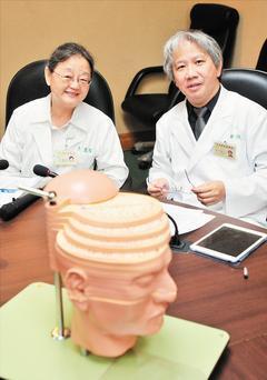 台北榮民總醫院研究發現,國內想變性而就醫人數正逐年增加,近一年顯著增加2成,並以...