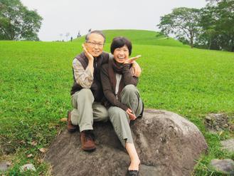台北醫學大學公共衛生學系教授韓柏檉(左)與夫人張幼香,兩人鶼鰈情深,奉行對身體沒...
