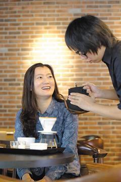 醫師提出,喝咖啡可保肝。 記者陳瑞源/攝影