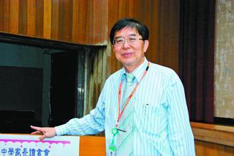 器官捐贈移植登錄中心董事長李伯璋一手推動器官捐贈可嘉惠親屬。圖/李伯璋提供