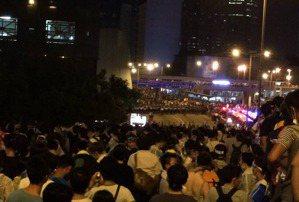 一子錯,滿盤皆落索:香港的突變