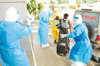伊波拉疫情逼迫中國企業相繼撤出西非,也讓當地經濟陷入更窘困的局面。 新華社