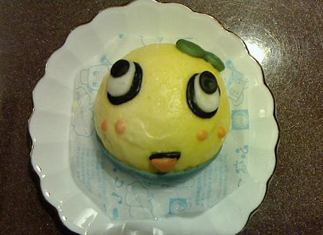 日本全家推出的船梨精肉包,蒸過之後……是不是還是好可愛那吸~ 圖片來源/ ame...