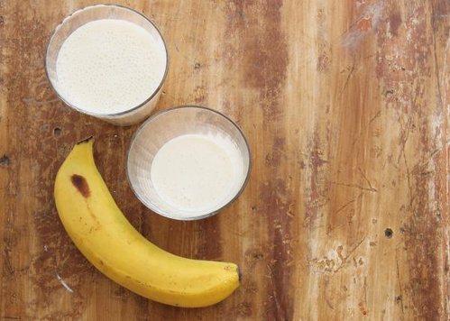 喝牛奶、吃香蕉,可以誘發睡眠! 圖片來源╱台灣好食材 Fooding