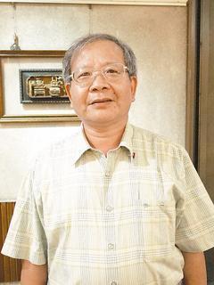 榮獲第24屆醫療奉獻獎的徐正隆醫師。記者徐庭揚╱攝影、圖╱徐正隆提供
