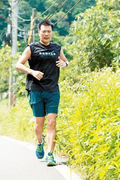 作家蔡詩萍長期運動、重視保養,身材一直維持得很好。記者楊光昇/攝影