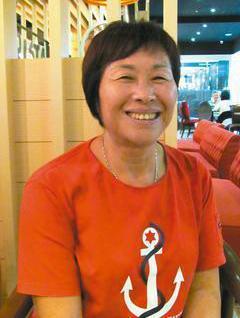 婦人李台安14年前得知罹患卵巢癌末期時,變賣所有財產,拿著數百萬元積蓄環遊世界。...