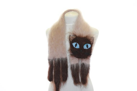 獻給無貓人士的貓咪圍巾!跟上圖好像 XD 圖片來源/ pawesomecats