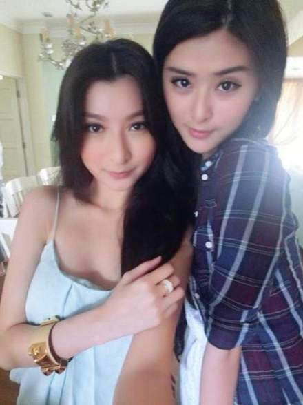 張琪瑋(右)與妹妹琪琦都很像明星 圖片來源/ kankanews