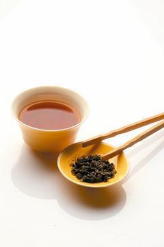 神農嘗百草,「茶」在中國的傳統研究中具有解毒功能,為傳統的藥用食材。「茶」更是中...