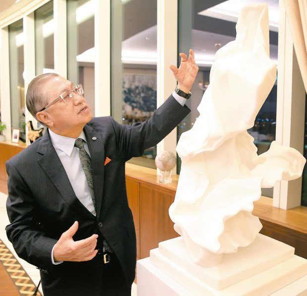 台灣工銀董事長駱錦明收藏藝術啟蒙自父親。 圖/林澔一攝影