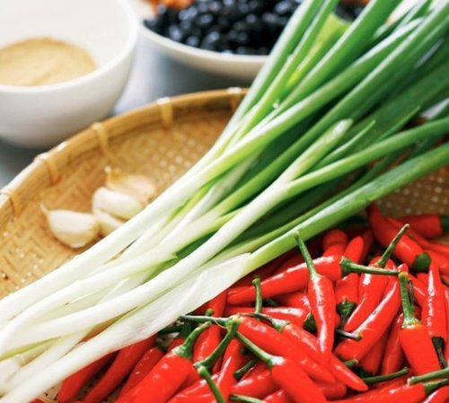 烹調時可多加點溫性的蔥、薑、蒜、豆豉來平衡涼性。 圖片來源╱台灣好食材 Food...