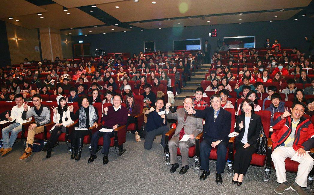 聯合報願景工程「為青年尋路論壇」新北場昨天在輔仁大學舉行。 記者王騰毅╱攝影