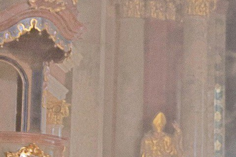王力宏全新專輯「你的愛。」將於1月23日發行,即日起開始預購,而他前往歐洲拍專輯主視覺,選在哥德式風格的教堂,只見王力宏手抱外國女模,可惜沒抱老婆李靚蕾。