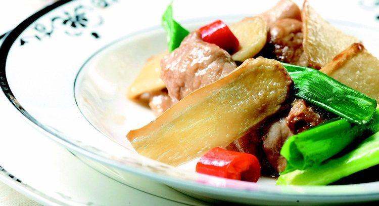 嫩薑絲炒肉片。 報系資料照