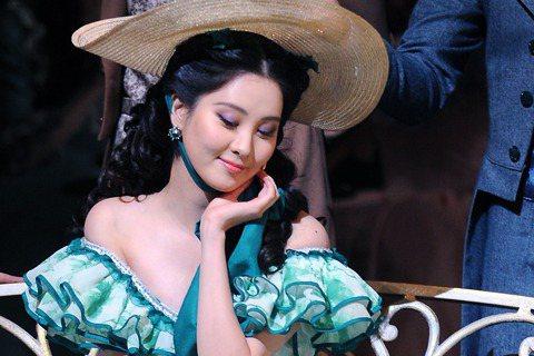 音樂劇《亂世佳人(Gone With The Wind)》試演會在首爾藝術殿堂舉行,少女時代成員徐玄作為主角亮相舞臺。