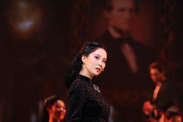 《亂世佳人》改編自美國小說家 Margaret Mitchell 的小說,這次被改編成韓語版音樂劇搬上舞臺,由徐玄、朱鎮模、Bada、金寶京等人出演。