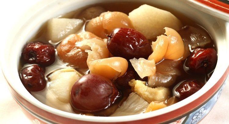 紅棗桂圓甜湯很養生,卻要當心糖分高。 報系資料照