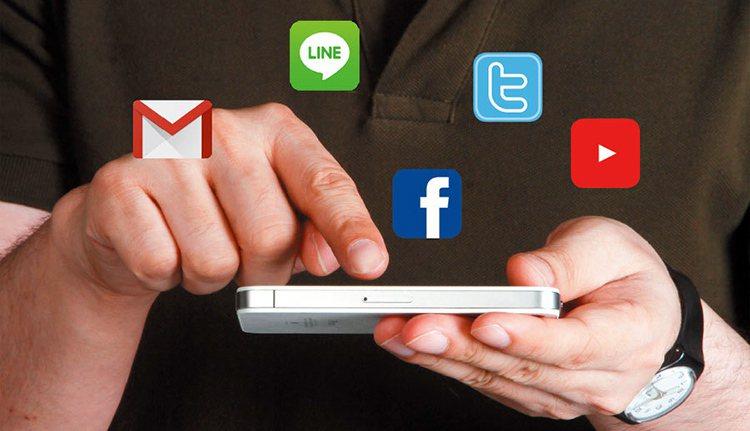 衛生福利部委託台灣大學心理系調查全台青少年網路使用習慣,顯示全國有2.8%的學生...