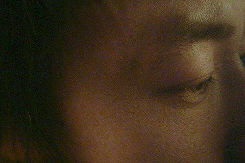 「金馬影后」桂綸鎂搭檔大陸硬底子演員廖凡演出《白日焰火》,由於影片在哈爾濱拍攝,嚴寒氣候也讓兩位主要演員叫苦連天,認為天冷真是拍攝本片的最大難關。廖凡和桂綸鎂有段在摩天輪上的激吻親熱場面,由於是重頭...