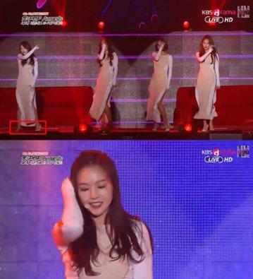 韓國女團Girl's Day成員珉雅(Min-Ah)在「第4屆GAON CHART K-POP AWARDS」典禮上表演性感的歌曲《Something》時,撩髮一瞬間微微一笑,因為她的高跟...