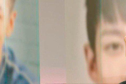 柯震東去年涉毒,沉潛半年後近來復出幕前,新戀情也默默浮上檯面。日前柯震東遭曝與宅男女神李毓芬傳緋聞,柯震東當時以「李毓芬是演藝圈少數好友之一」解釋兩人關係,如今接受中視「改變的起點」專訪時,柯終於鬆...