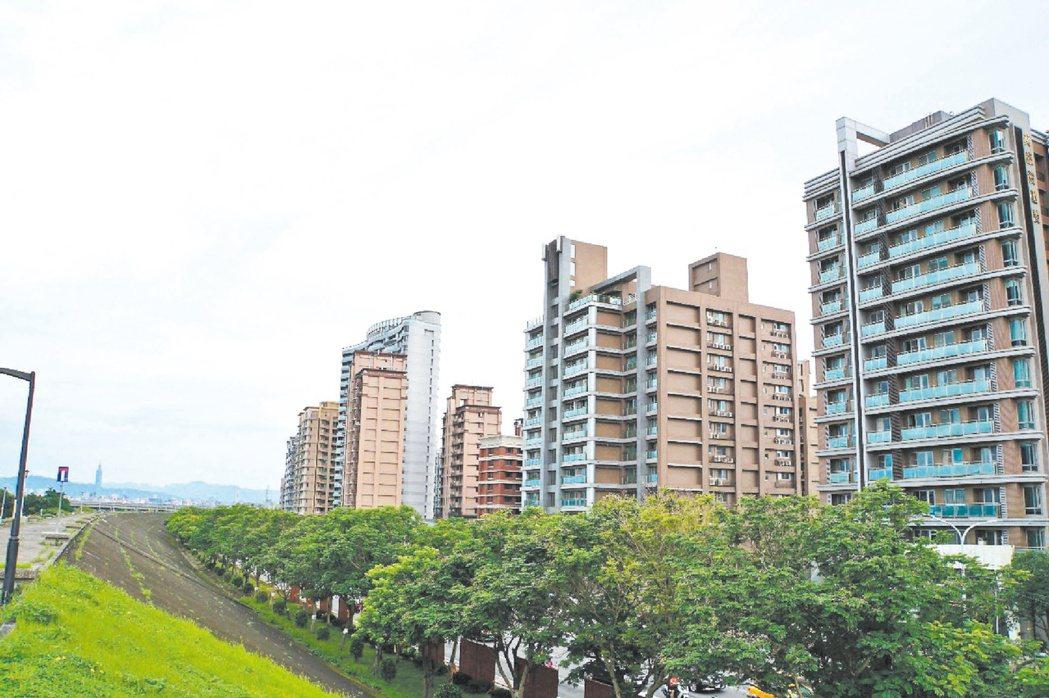 財政部昨發布解釋令,新增11種短期售屋可免課奢侈稅的樣態。 本報資料照片