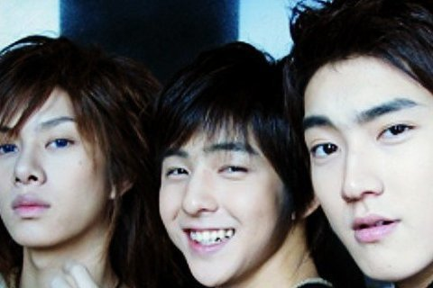 Super Junior的希澈突然有感而發的在Instagram上公開了一張舊照,是他與起範、始源三人的合照,當時三人看起來都還很青澀,而希澈還感性的寫下,這張照片是起範開始留起鬍子變大叔之前,始源...