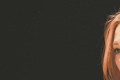 蔡健雅的創作才華備受肯定,也讓香港導演劉偉強慕名前來,去年底,劉導親自拜訪她,希望蔡能為新作「賭城風雲Ⅱ」譜寫歌曲。2人為了歌曲催生,特別約見香港,劉導提前曝光「賭城風雲Ⅱ」中周潤發與劉嘉玲的感情片...