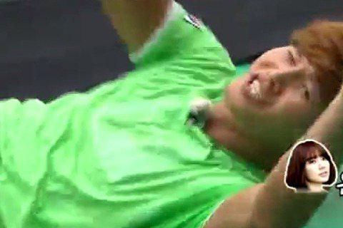 「能力者」金鐘國的弱點除了身體套圈圈外,還有個就是對女星柔軟的那顆心,而女星當中尹恩惠更是他弱點中的弱點,想看鐘國歐巴羞答答的樣子嗎?現在有機會啦!因為SBS電視台昨天透過官方推特發出「召喚尹恩惠活...