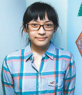 廿五歲的菲律賓新住民第二代鄒隆娜。 記者林伯東/攝影