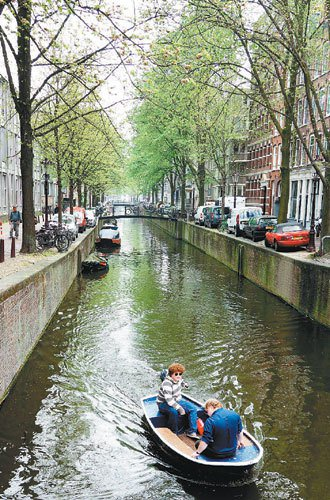 阿姆斯特丹市內的運河縱橫交錯。 記者陳正興/攝影