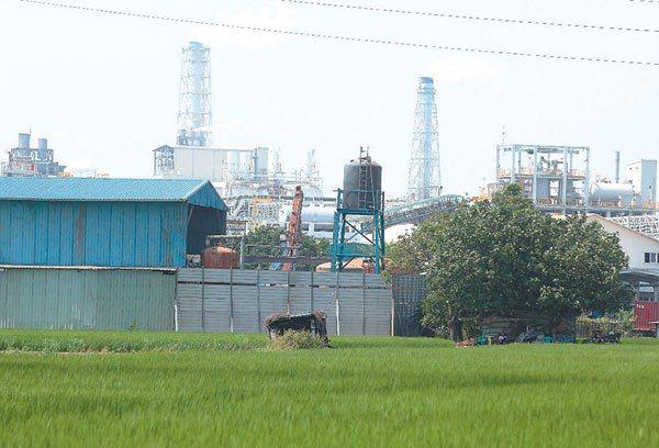 針對工業汙染對台灣環境造成的重傷害,專家學者呼籲政府重新通盤考量國土規畫,尤其工...