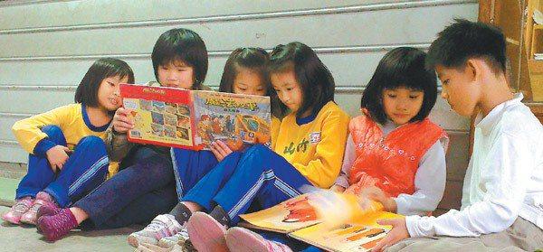 偏鄉孩子除了缺乏圖書資源,也缺乏帶領閱讀的人。 記者吳思萍/攝影